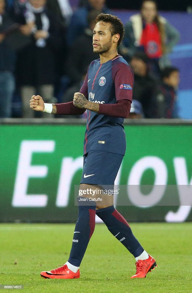 Neymar Jr of PSG celebrates his goal during the UEFA Champions League group B match between Paris Saint-Germain (PSG) and RSC Anderlecht at Parc des Princes on October 31, 2017 in Paris, France.