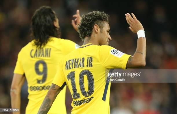 Neymar Jr of PSG celebrates his goal with Edinson Cavani during the French Ligue 1 match between En Avant Guingamp and Paris Saint Germain at Stade...