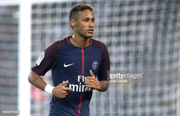 Neymar Jr of PSG during the French Ligue 1 match between Paris Saint Germain and AS SaintEtienne at Parc des Princes on August 25 2017 in Paris France
