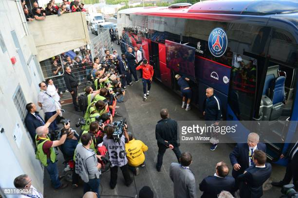 Neymar JR of PSG gets off the team coach before the Ligue 1 match between EA Guingamp and Paris Saint Germain at Stade du Roudourou on August 13 2017...