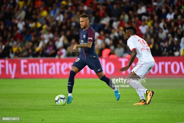 Neymar JR of PSG takes on Wergiton Somalia of Toulouse during the Ligue 1 match between Paris Saint Germain and Toulouse at Parc des Princes on...
