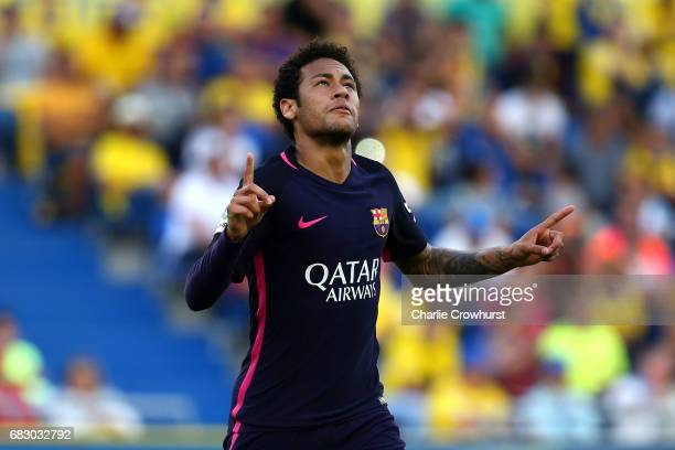 Neymar of Barcelona celebrates after scoring the first goal of the game during the La Liga match between UD Las Palmas and Barcelona at Estadio de...