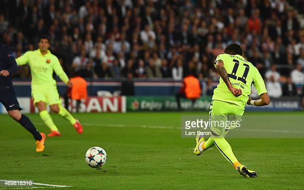 Neymar of Barcelona celebrates scores the opening goal during the UEFA Champions League Quarter Final First Leg match between Paris SaintGermain and...