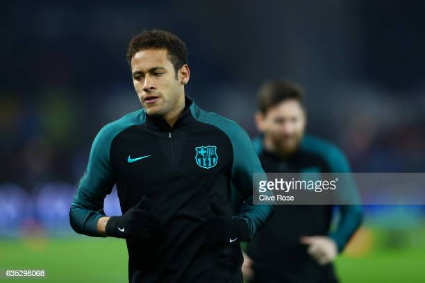 Neymar of Barcelona runs during the warmup before the UEFA Champions League Round of 16 first leg match between Paris SaintGermain and FC Barcelona...