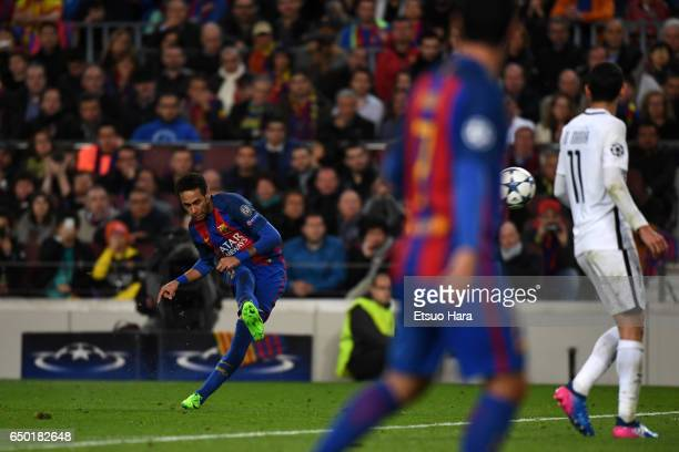 Neymar of Barcelona scores his side's fourth goal from a free kick during the UEFA Champions League Round of 16 second leg match between FC Barcelona...