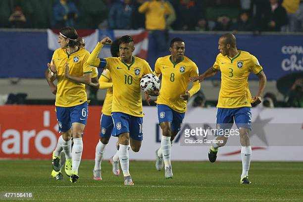 Neymar of Brazil celebrates with teammates after scoring the first goal of his team during the 2015 Copa America Chile Group C match between Brazil...