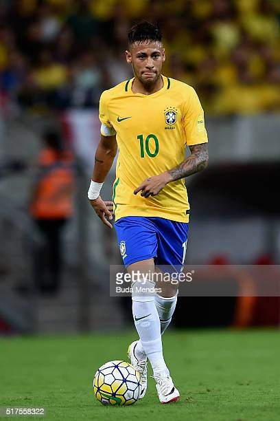Neymar of Brazil controls the ball during a match between Brazil and Uruguay as part of 2018 FIFA World Cup Russia Qualifiers at Arena Pernanbuco on...
