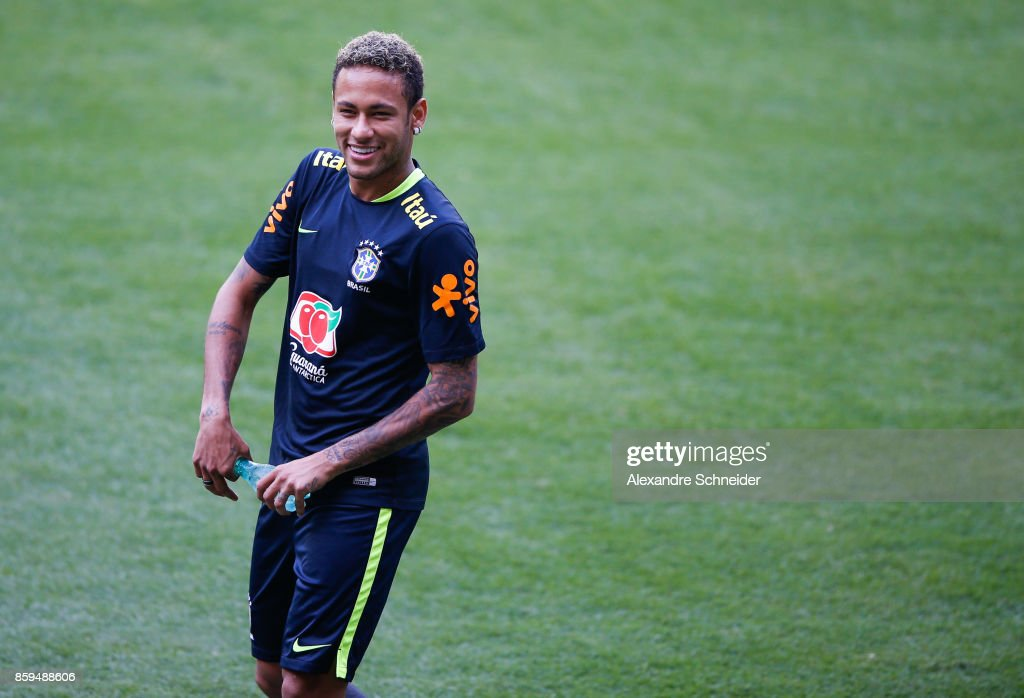 Neymar of Brazil looks on during the Brazil training session for 2018 FIFA World Cup Russia Qualifier match against Chile at Allianz Parque Stadium on October 09, 2017 in Sao Paulo, Brazil.