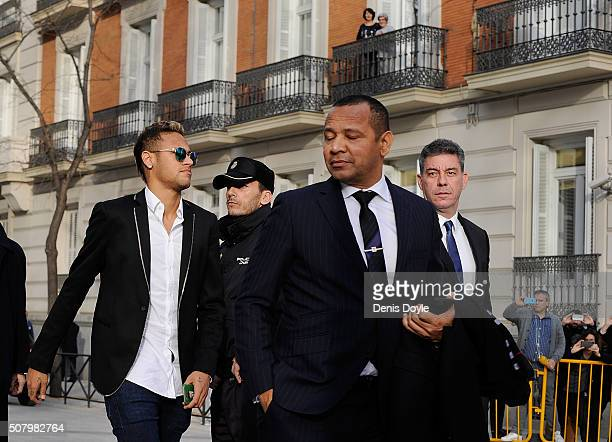 Neymar of FC Barcelona arrives at the National Court accompanied with his father Neymar Santos Sr on February 2 2016 in Madrid Spain Neymar is due to...