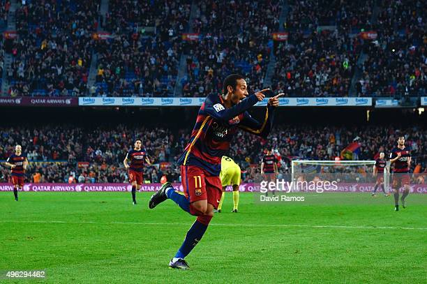 Neymar of FC Barcelona celebrates after scoring his team's third goal during the La Liga match between FC Barcelona and Villarreal CF at Camp Nou on...