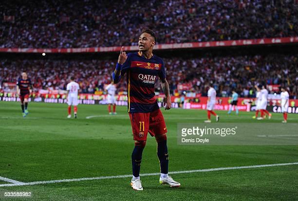 Neymar of FC Barcelona celebrates aftr scoring Barcelona's 2nd goal during the Copa del Rey Final between Barcelona and Sevilla at Vicente Calderon...