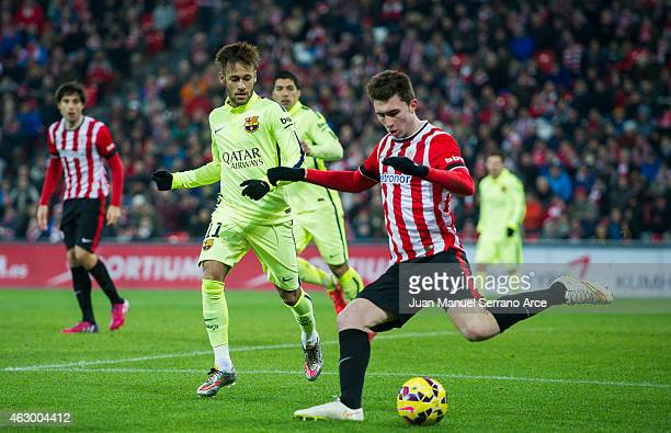 Neymar of FC Barcelona duels for the ball with Aimeric Laporte of Athletic Club during the La Liga match between Athletic Club and FC Barcelona at...