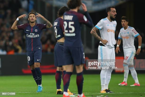 Neymar of Paris SaintGermain celebrates after scoring a goal to make it 11 during the Ligue 1 match between Olympique Marseille and Paris Saint...