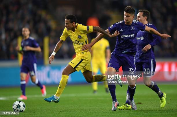 Neymar of PSG and Leander Dendoncker of RSC Anderlecht battle for posession during the UEFA Champions League group B match between RSC Anderlecht and...
