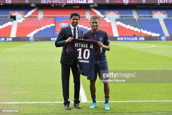 Neymar Signs For PSG : News Photo