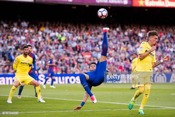 Neymar Santos Jr of FC Barcelona tries an overhead kick during the La Liga match between FC Barcelona and Villarreal CF at Camp Nou stadium on May 6...