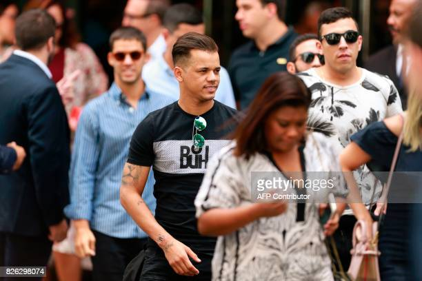 Neymar's close friend Jo Amancio and the entourage of Brazilian footballer Neymar arrive on August 4 at the Royal Monceau hotel in Paris following...
