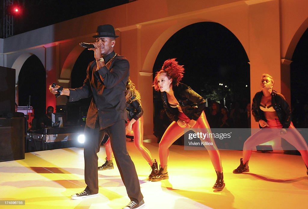 Ne-Yo performs at 15th Annual DesignCare on July 27, 2013 in Malibu, California.