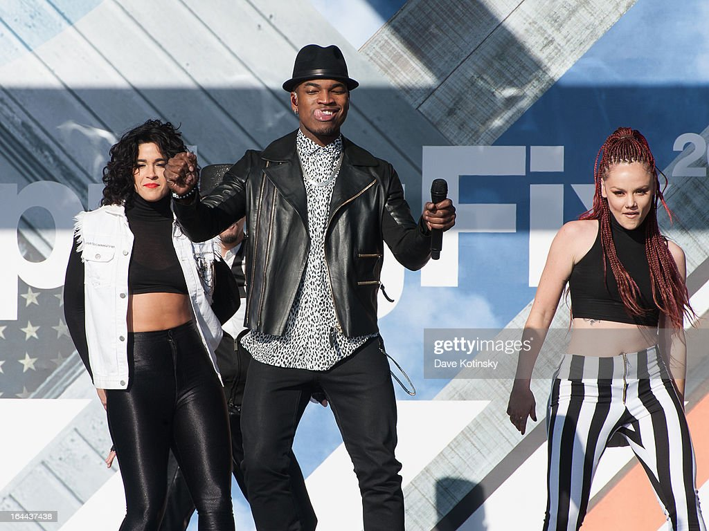 <a gi-track='captionPersonalityLinkClicked' href=/galleries/search?phrase=Ne-Yo&family=editorial&specificpeople=451543 ng-click='$event.stopPropagation()'>Ne-Yo</a> performs during MTV's 'Spring Fix' Benefit Concert at Six Flags Great Adventure on March 23, 2013 in Jackson, New Jersey.