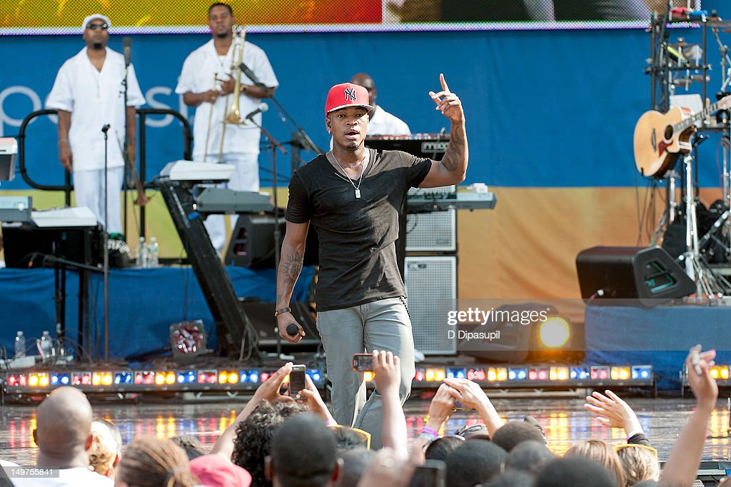 <a gi-track='captionPersonalityLinkClicked' href=/galleries/search?phrase=Ne-Yo&family=editorial&specificpeople=451543 ng-click='$event.stopPropagation()'>Ne-Yo</a> performs on ABC's 'Good Morning America' at Rumsey Playfield, Central Park on August 3, 2012 in New York City.