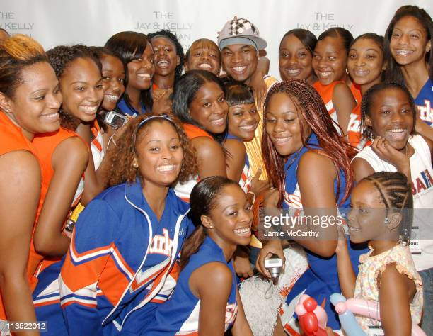 NeYo with Fans during NeYo Laces Up His Hightops in Charity Basketball Shootout at Madison Square Garden in New York City New York United States