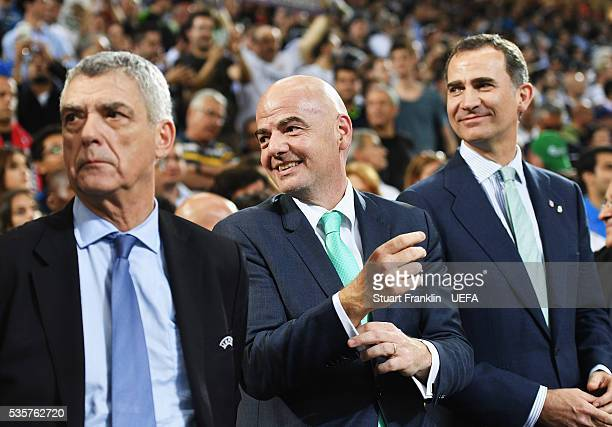 Ángel María Villar Llona fisrt Vice President of UEFA FIFA President Gianni Infantino and King Felipe VI of Spain look on after the UEFA Champions...