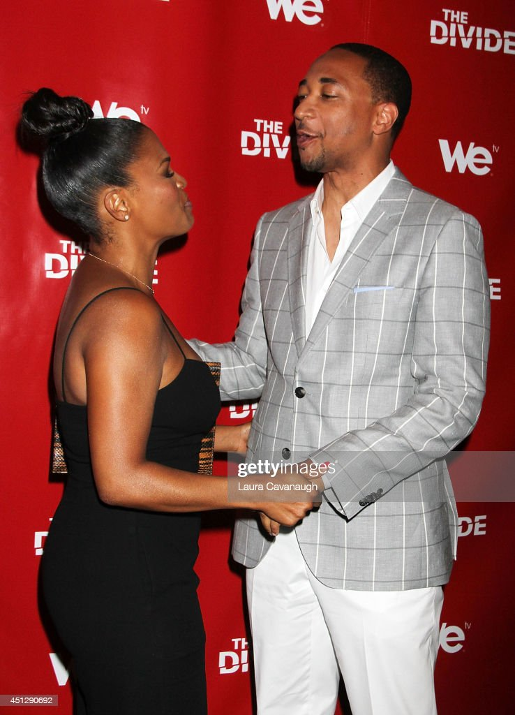<a gi-track='captionPersonalityLinkClicked' href=/galleries/search?phrase=Nia+Long&family=editorial&specificpeople=206752 ng-click='$event.stopPropagation()'>Nia Long</a> and Damon Gupton attend 'The Divide' series premiere at Dolby 88 Theater on June 26, 2014 in New York City.