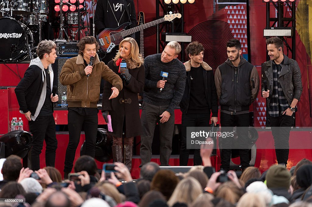 <a gi-track='captionPersonalityLinkClicked' href=/galleries/search?phrase=Niall+Horan&family=editorial&specificpeople=7229827 ng-click='$event.stopPropagation()'>Niall Horan</a>, <a gi-track='captionPersonalityLinkClicked' href=/galleries/search?phrase=Harry+Styles&family=editorial&specificpeople=7229830 ng-click='$event.stopPropagation()'>Harry Styles</a>, <a gi-track='captionPersonalityLinkClicked' href=/galleries/search?phrase=Lara+Spencer+-+Journalist&family=editorial&specificpeople=240321 ng-click='$event.stopPropagation()'>Lara Spencer</a>, <a gi-track='captionPersonalityLinkClicked' href=/galleries/search?phrase=Sam+Champion&family=editorial&specificpeople=724932 ng-click='$event.stopPropagation()'>Sam Champion</a>, <a gi-track='captionPersonalityLinkClicked' href=/galleries/search?phrase=Louis+Tomlinson&family=editorial&specificpeople=7235196 ng-click='$event.stopPropagation()'>Louis Tomlinson</a>, <a gi-track='captionPersonalityLinkClicked' href=/galleries/search?phrase=Zayn+Malik&family=editorial&specificpeople=7298822 ng-click='$event.stopPropagation()'>Zayn Malik</a>, and <a gi-track='captionPersonalityLinkClicked' href=/galleries/search?phrase=Liam+Payne&family=editorial&specificpeople=7235152 ng-click='$event.stopPropagation()'>Liam Payne</a> attend ABC's 'Good Morning America' at Rumsey Playfield, Central Park on November 26, 2013 in New York City.