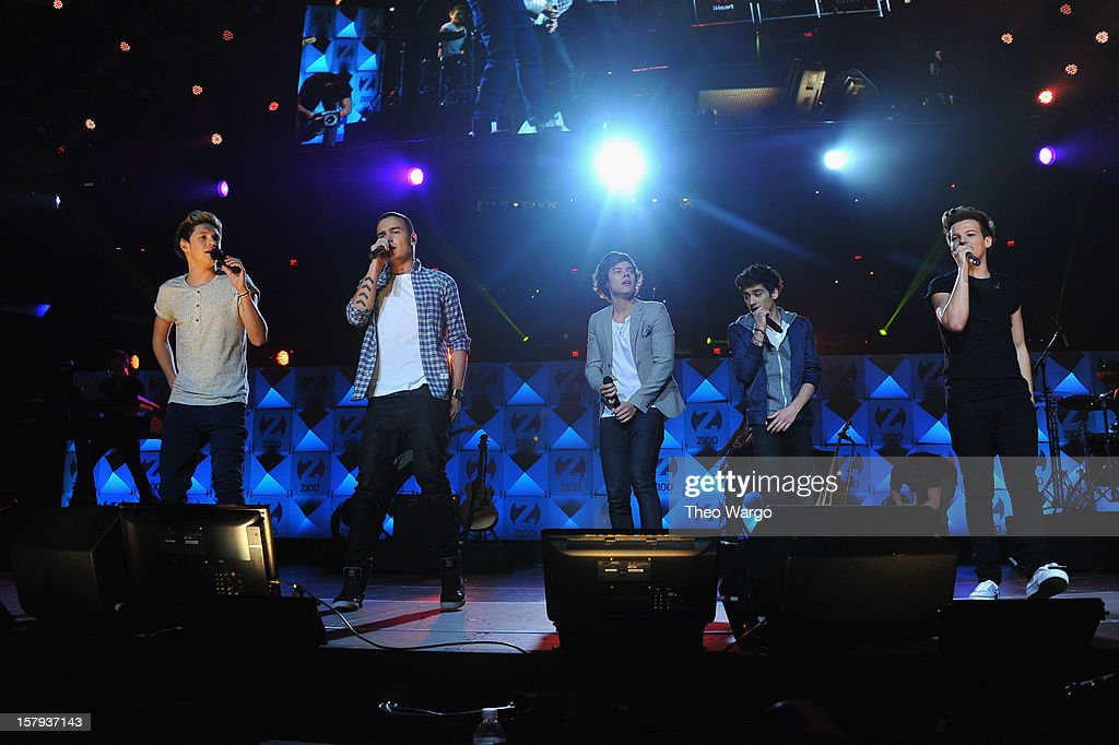 Niall Horan, Liam Payne, Harry Styles, Zayn Malik and Louis Tomlinson of One Direction perform onstage during Z100's Jingle Ball 2012, presented by Aeropostale, at Madison Square Garden on December 7, 2012 in New York City.