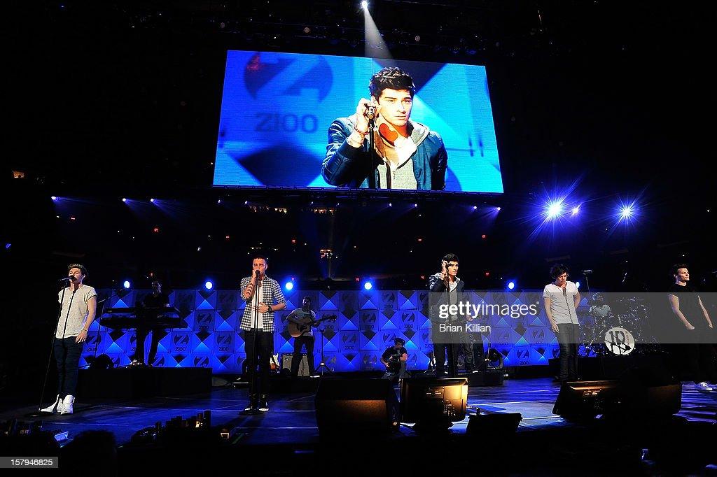 Niall Horan, Liam Payne, Zayn Malik, Harry Styles, and Louis Tomlinson of tyhe group One Direction perform onstage during Z100's Jingle Ball 2012 presented by Aeropostale at Madison Square Garden on December 7, 2012 in New York City.