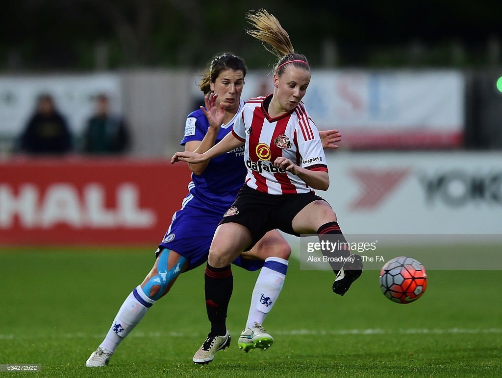 Niamh Farey of Chelsea Ladies FC and Beth Mead of Sunderland Ladies vie for the ball during the FA WSL 1 match between Chelsea Ladies FC and Sunderland Ladies at Wheatsheaf Park on May 25, 2016 in Staines, England.