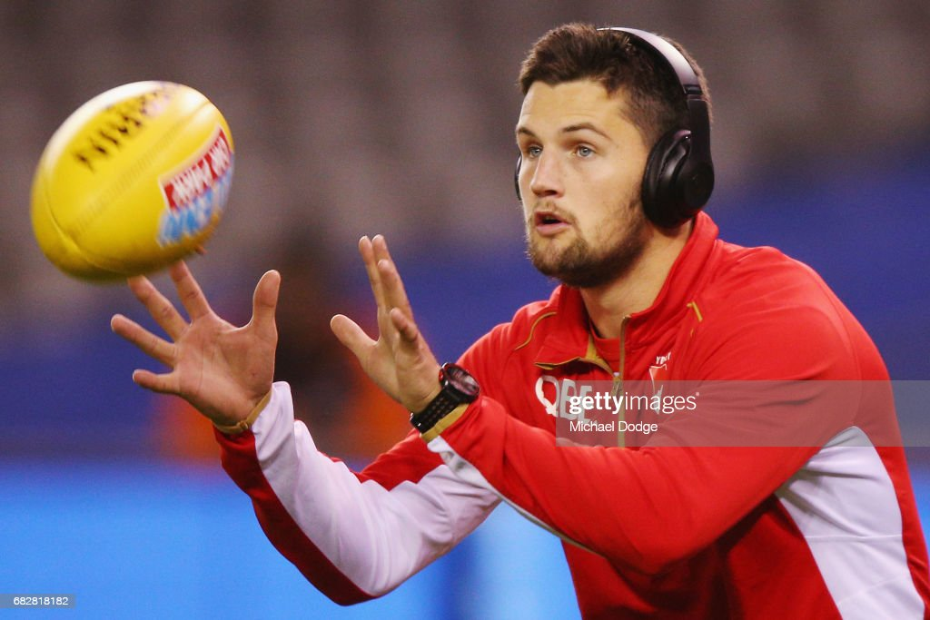 Nic Newman of the Swans marks the ball in the warm up during the round eight AFL match between the North Melbourne Kangaroos and the Sydney Swans at Etihad Stadium on May 14, 2017 in Melbourne, Australia.