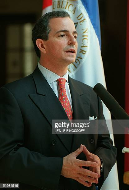 Nicaraguan Foreign Minister Eduardo Montealegre Rivas speaks to reporters before meetings 08 March 2000 at the Organization of American States in...
