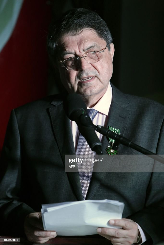Nicaraguan writer and former vice president Sergio Ramirez delivers a speech after having been decorated with France's Arts and Letters Order by Antoine Joly, French ambassador to Nicaragua on November 7,2013. AFP PHOTO/Inti OCON