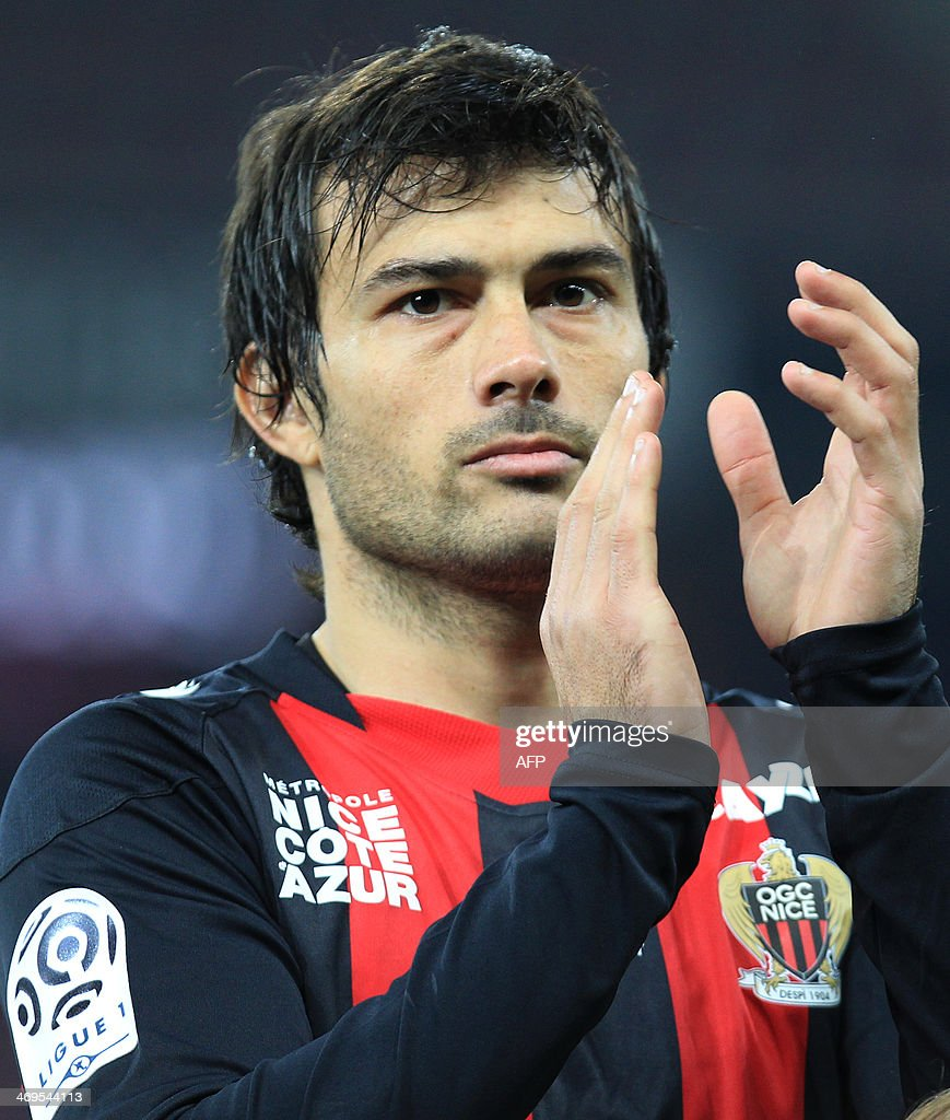 Nice's Argentinian forward Dario Cvitanich reacts during the French L1 football match between OGC Nice (OGCN) and FC Nantes (FCN) on February 15, 2014, at the Allianz Riviera stadium, in Nice, southeastern France.