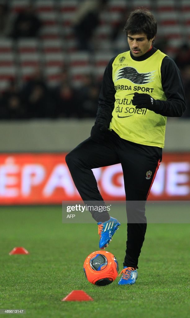 Nice's Belgian midfielder Christian Bruls warms up prior to the French L1 football match between OGC Nice (OGCN) and FC Nantes (FCN) on February 15, 2014, at the Allianz Riviera stadium, in Nice, southeastern France.