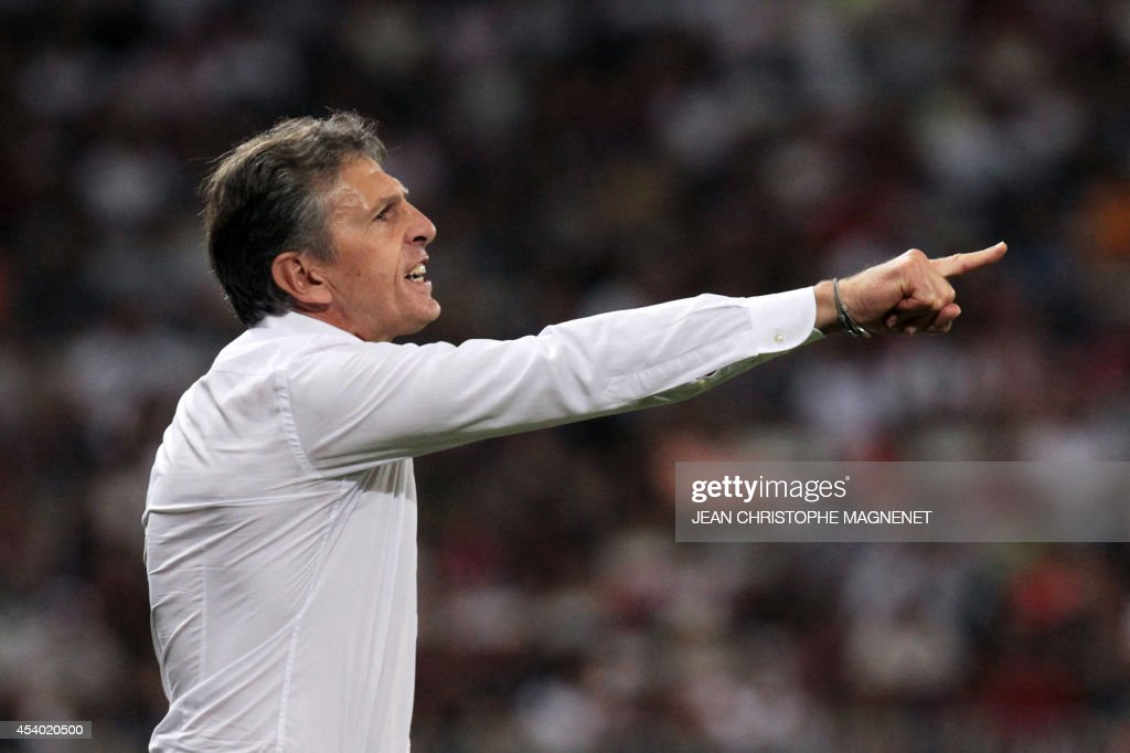 Nice's French coach Claude Puel gestures during the French L1 football match Nice (OGCN) vs Bordeaux (FCGB) on August 23, 2014 at the Allianz Riviera stadium, in Nice, southeastern France.