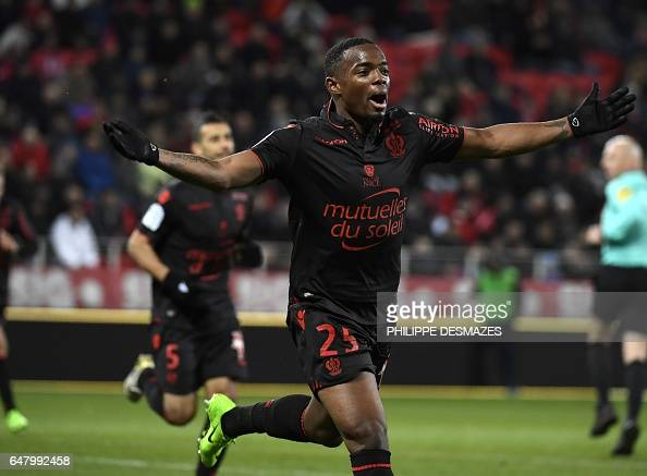 FBL-FRA-LIGUE1-DIJON-NICE : News Photo