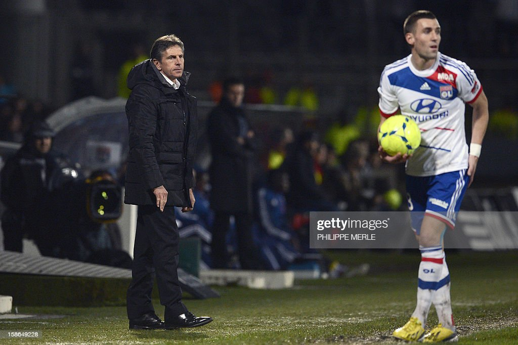 Nice's head coach Claude Puel looks on during the French L1 football match Lyon vs Nice on December 22, 2012, at the Gerland stadium in Lyon.