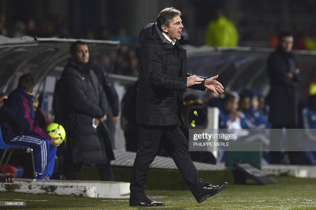 Nice's head coach Claude Puel reacts during the French L1 football match Lyon vs Nice on December 22, 2012, at the Gerland stadium in Lyon. AFP PHOTO / PHILIPPE MERLE