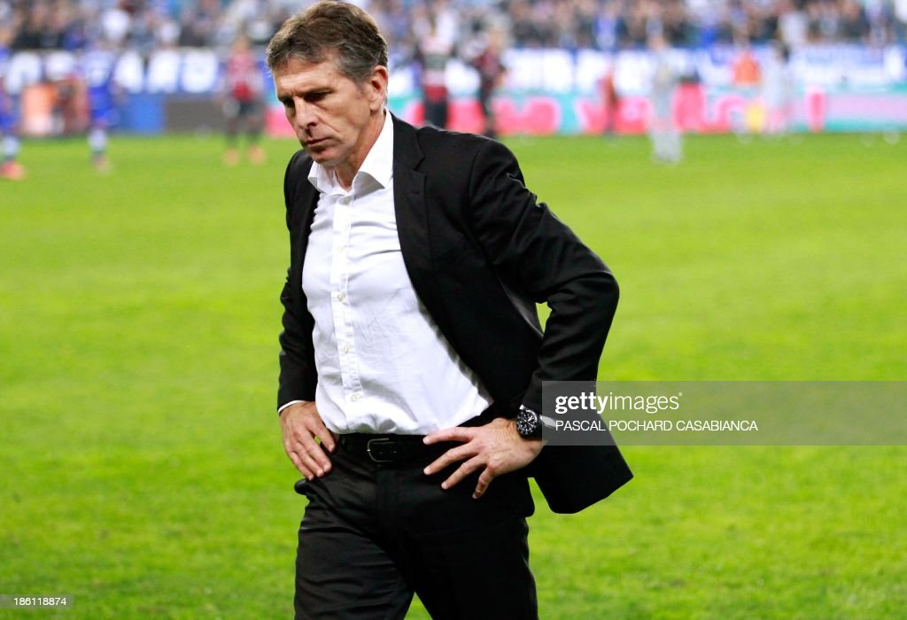 Nice's head coach Claude Puel reacts during the French L1 football match Bastia (SCB) against Nice (OGC) in the Armand Cesari stadium in Bastia, Corsica, on October 26, 2013.
