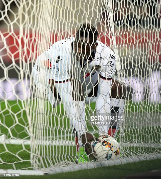 Nice's Italian forward Mario Balotelli celebrates after scoring a goal during the French L1 football match between Lille and Nice at the PierreMauroy...
