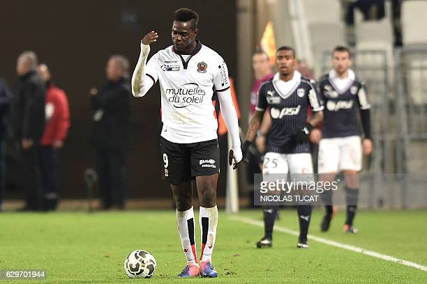 Nice's Italian forward Mario Balotelli reacts during the French League Cup football match between Bordeaux and Nice on December 14 2016 at the Matmut...