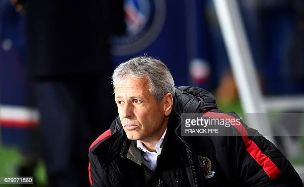 Nice's Swiss head coach Lucien Favre reacts during the French L1 football match between Paris SaintGermain and Nice at the Parc des Princes stadium...