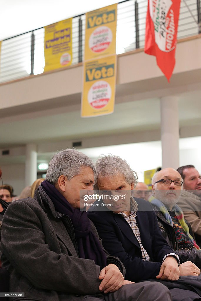 Nichi Vendola (L), the president of Apulia and leader of Sinistra ecologia e Liberta party, speaks with Gianfranco Bettin during an Electoral Campaign at Palaplip on February 5, 2013 in Mestre, Italy. The Italian general elections take place on February 24/25.