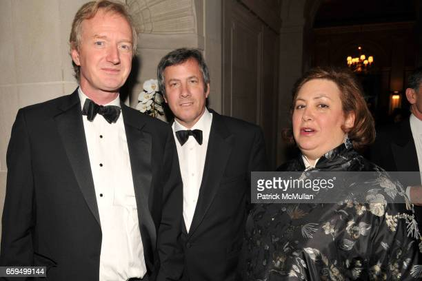 Nicholas Hall Mark Fisch and Elizabeth Easton attend The FRICK COLLECTION AUTUMN DINNER Honoring PHILIPPE DE MONTEBELLO at The Frick Collection on...