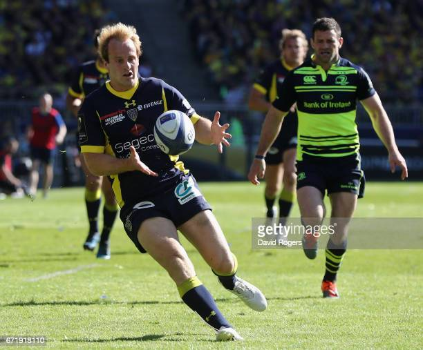 Nick Abendanon of Clermont Auvergne catches the ball during the European Rugby Champions Cup semi final match between ASM Clermont Auvergne and...