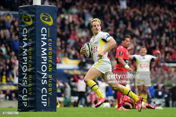Nick Abendanon of Clermont runs in his team's second try during the European Rugby Champions Cup Final match between ASM Clermont Auvergne and RC...