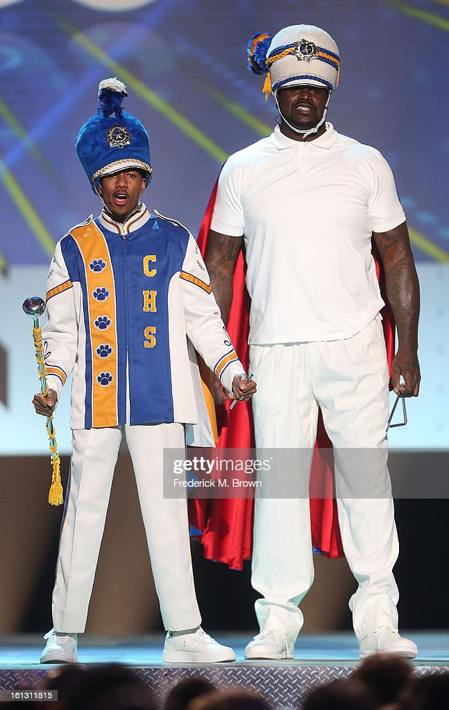 <a gi-track='captionPersonalityLinkClicked' href=/galleries/search?phrase=Nick+Cannon&family=editorial&specificpeople=202208 ng-click='$event.stopPropagation()'>Nick Cannon</a> (L) and Shaquille O' Neal perform during the 3rd Annual Cartoon Network's 'Hall Of Fame' Awards at the Barker Hangar, Santa Monica Airport, on February 9, 2013 in Santa Monica, California.