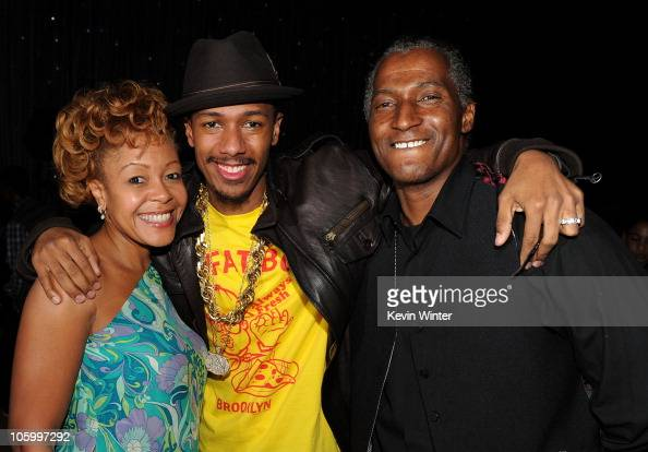 Nick Cannon with his mother...